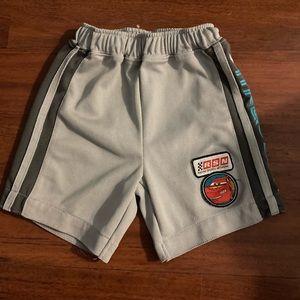 10/30 Disney cars lightning McQueen shorts 2T